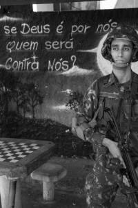 Invasão Maré10